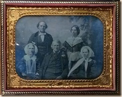 Coffin-family-dag-cased_thumb.jpg
